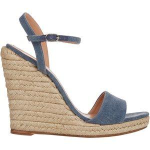 Barneys New York Fania Espadrilles Sandals Wedges